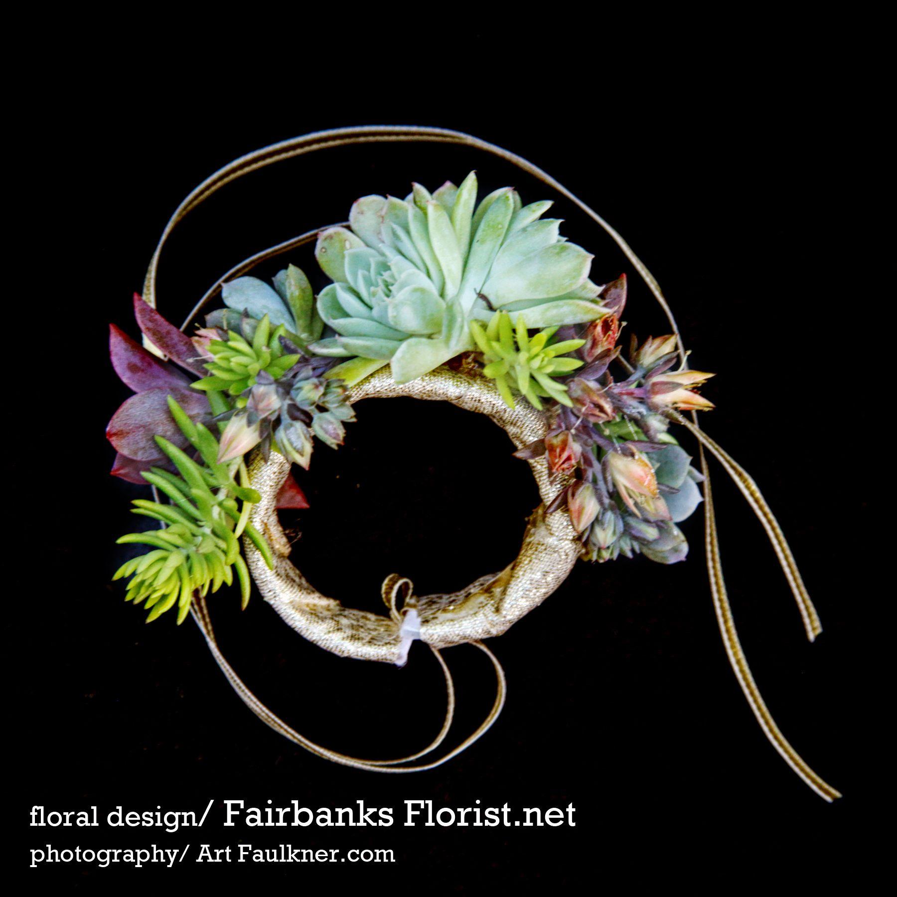 Bracelet wrist corsage with succulents