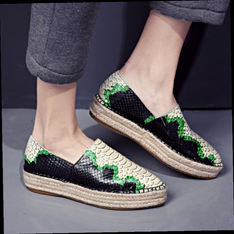 53.54$  Buy here - http://alim2h.worldwells.pw/go.php?t=32598275365 - 2016 New Brand Snake Style Genuine Leather Women Shoes Casual Handmade Shoes Woman Flats Fashion Pointed Toe Women Loafers