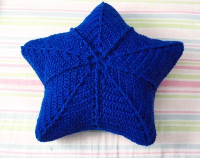 Star Pillow This Should Be Easy Enough To Figure Out Crocheted Crochet Star Pillows Knit Or Crochet