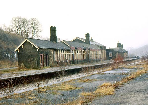 Old Railway Station Google Search 1 Pan Pinterest