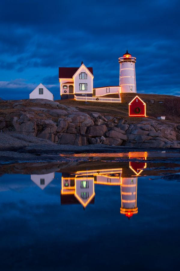 Holiday lights at Nubble Lighthouse on Cape Neddick, Maine ...