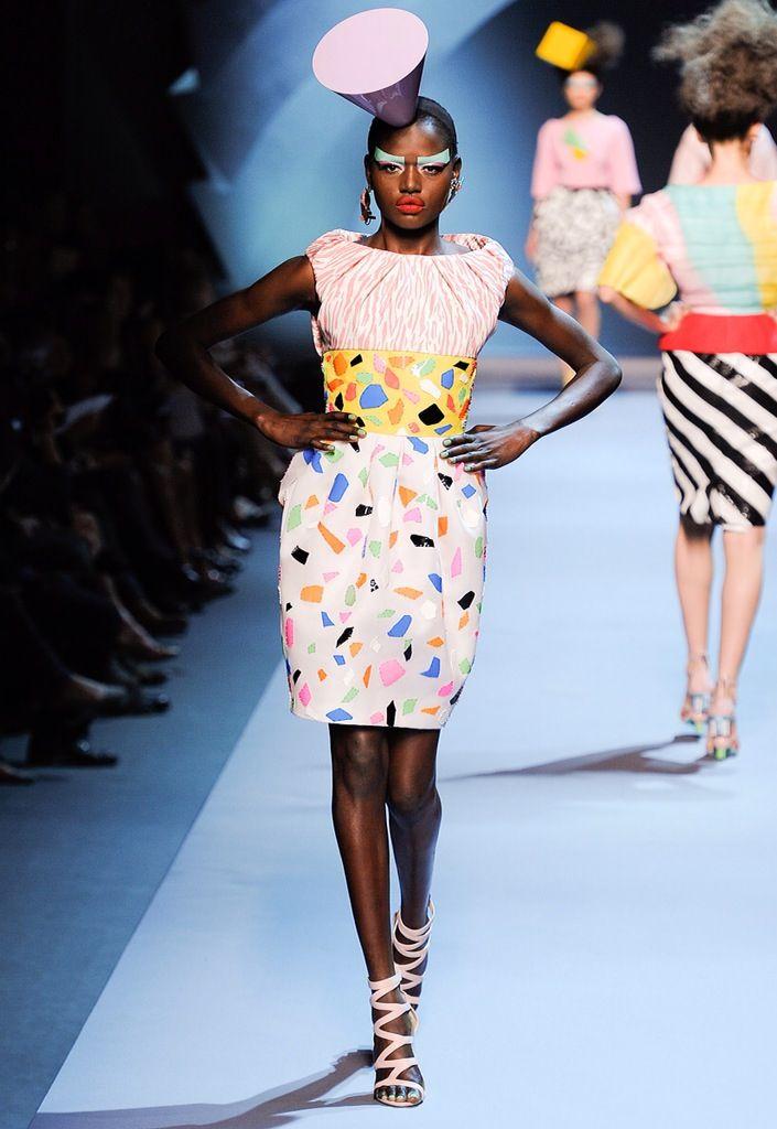 Christian dior fall 2011 couture fashion show in 2019 j for Fashion designer milano