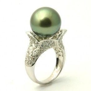 Black Pearl & Diamond Engagement Ring - Unusual Engagement Rings Review
