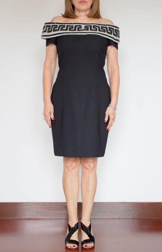 Vestido negro cuello bandeja
