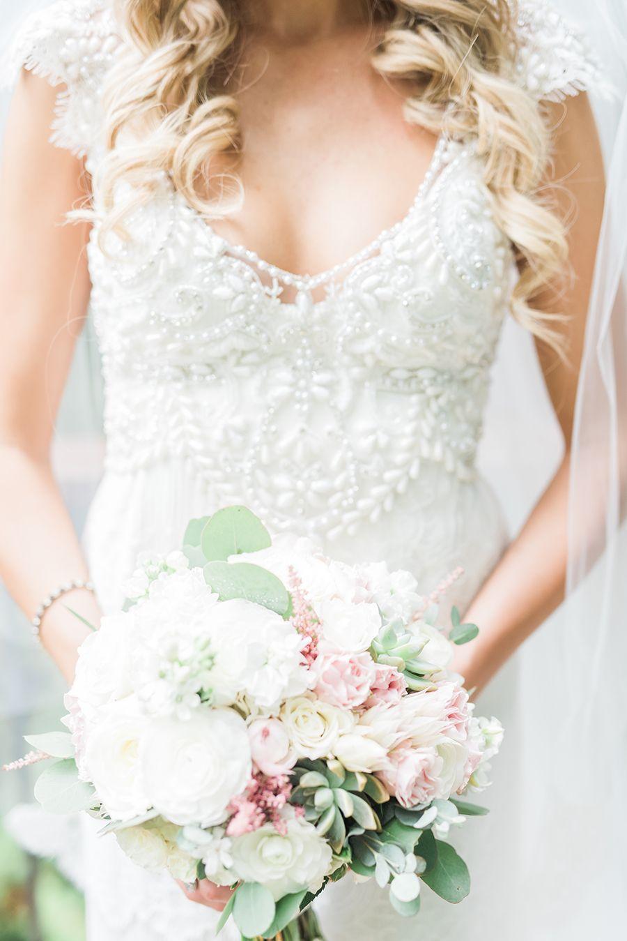 Anna Campbell Nestldown Wedding Janine Licare Photography