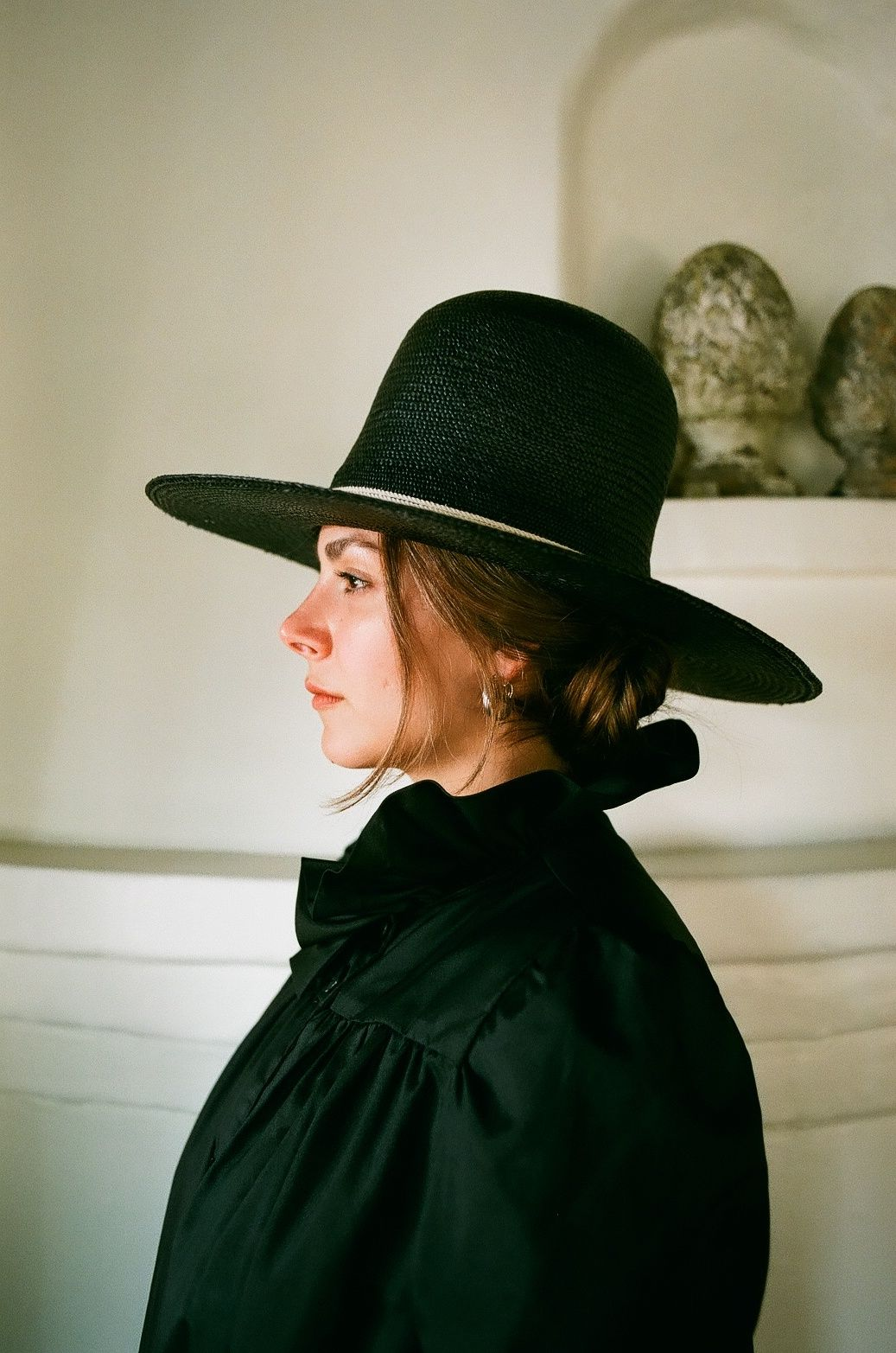 Fashion Girls Love This Hat In Japan The Ilaria Noir From De La Fuente Fashion Girl Fashion Hand Embroidered