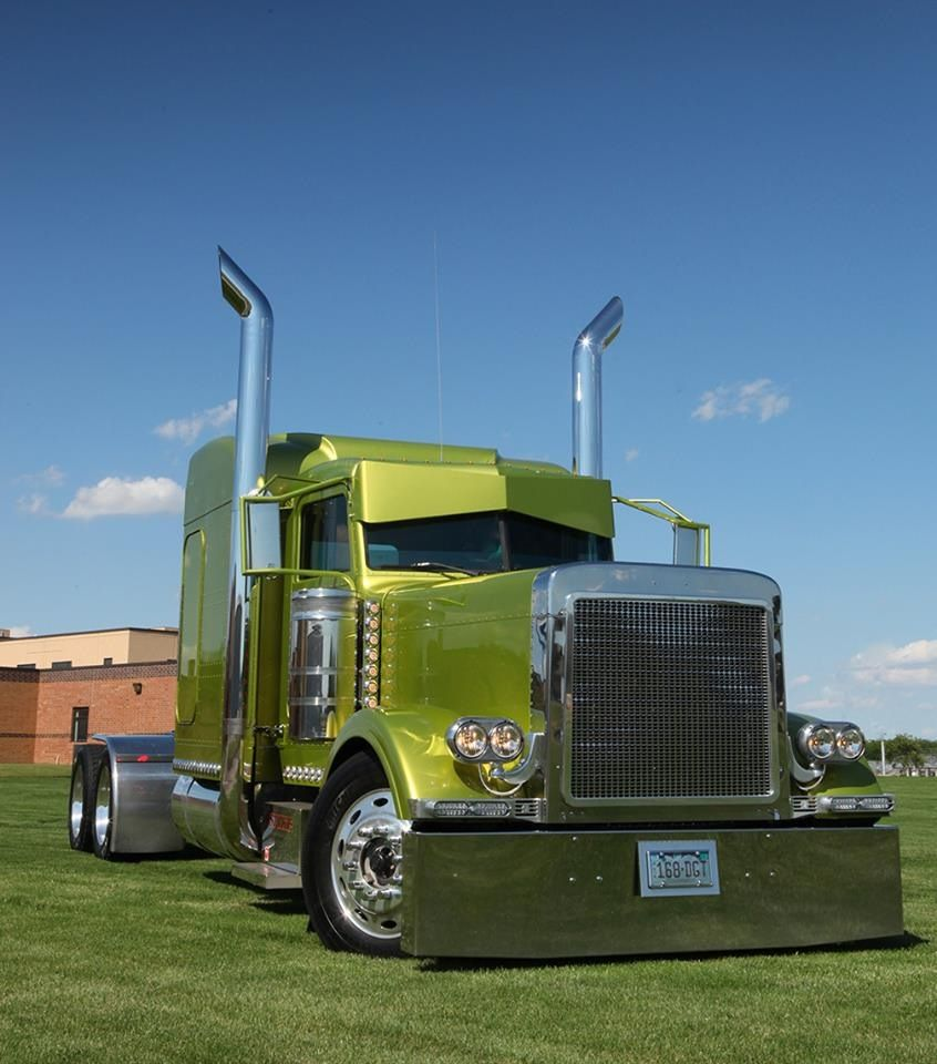 Green peterbilt check out those cab stacks get er loaded