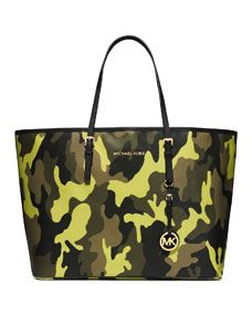 8cbc451fa6cc8c MICHAEL Michael Kors Medium Jet Set Camo Travel Tote | IN THE BAG ...