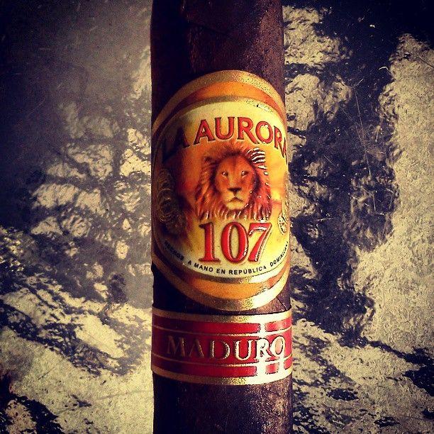 La Aurora 107 Maduro