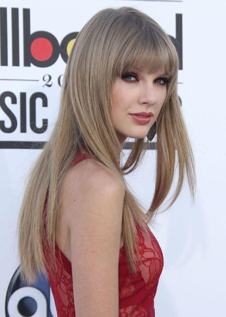 Long Ponytail With Bangs Taylor Swift Hair Long Straight Hairstyle With Bangs Taylor Swift Hair Taylor Swift Hair Color Natural Ash Blonde