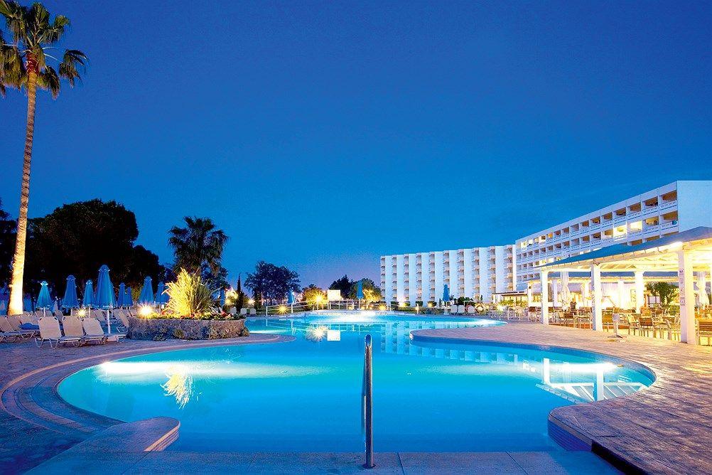 Family Life Kerkyra Golf Ssss Korfu Hellas Star Tour Tui Norge Family Friendly Hotels Family Life Life