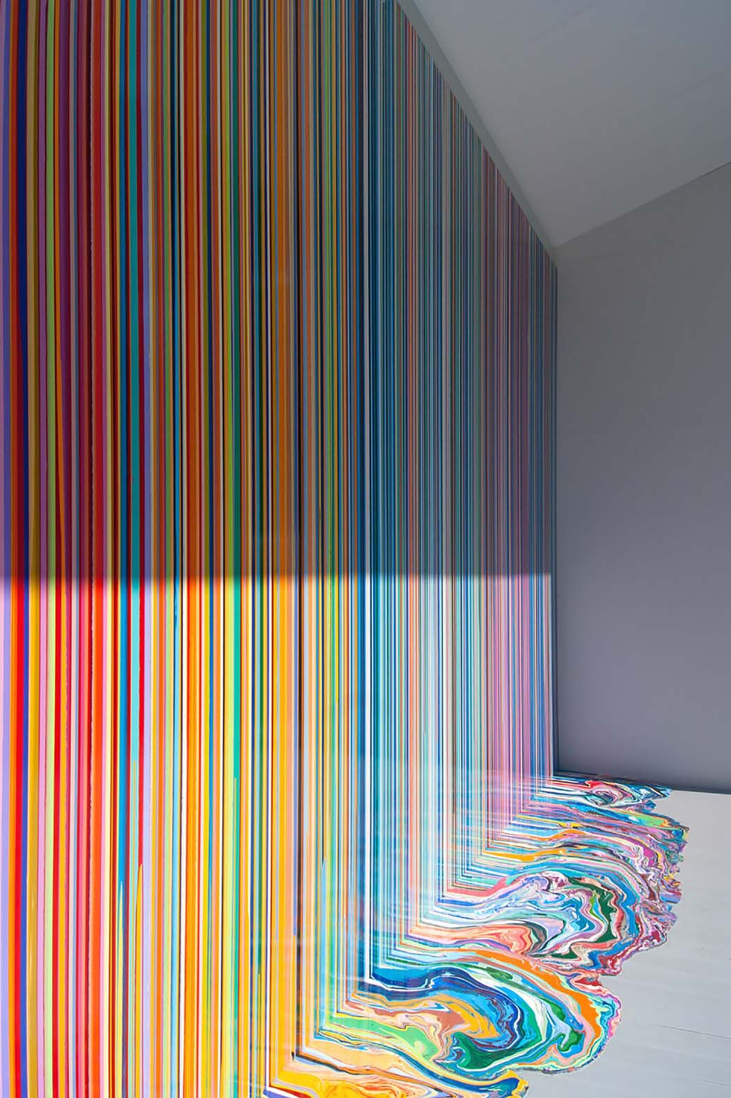 Ian Davenport S Poured Lines And Puddle Paintings Ignant Diy