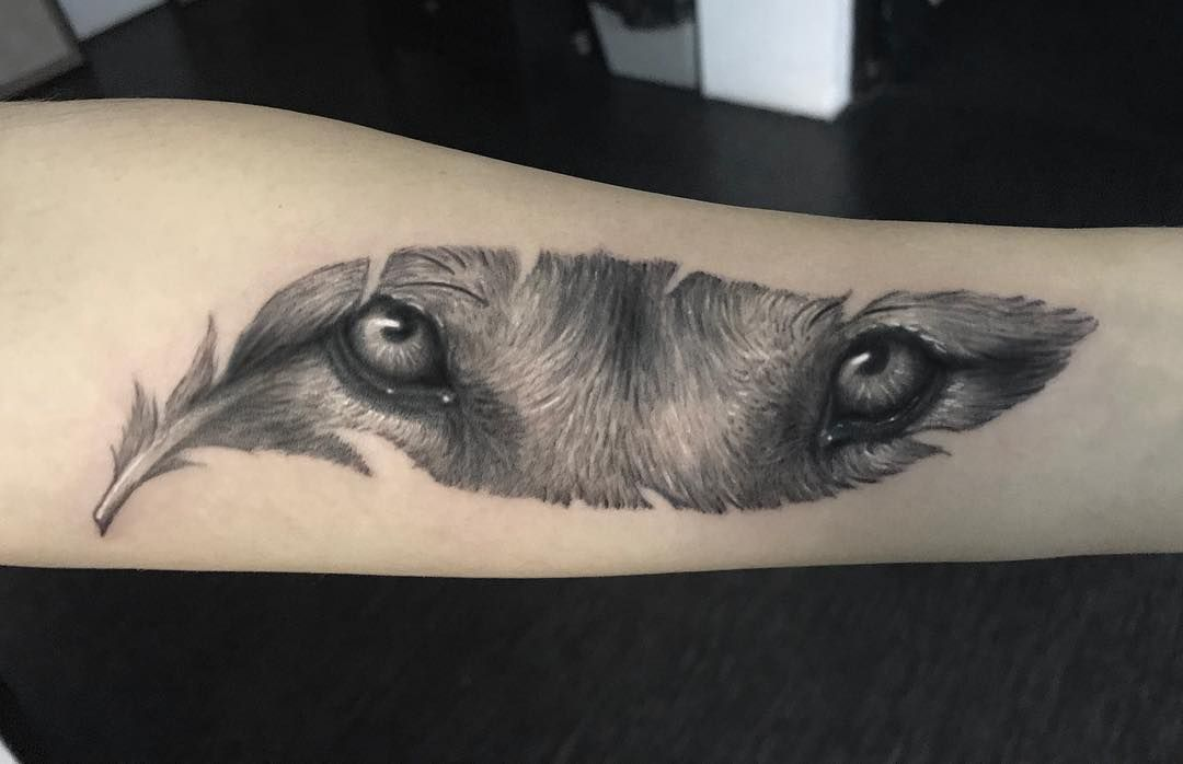 50 Of The Most Beautiful Wolf Tattoo Designs The Internet Has Ever Seen Kickass Things Wolf Tattoo Design Foot Tattoos Wolf Eye Tattoo