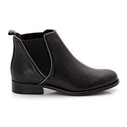 bottines en cuir noires, avec détail argenté, de marque Soft Grey