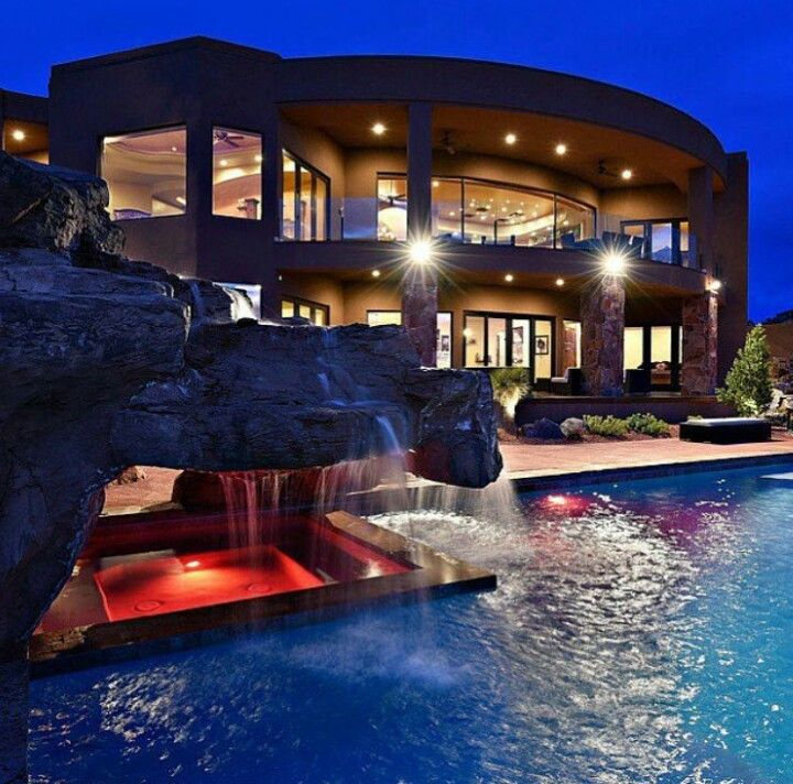 Luxury Mansions With Pool: Pin By Luke On Homes In 2019