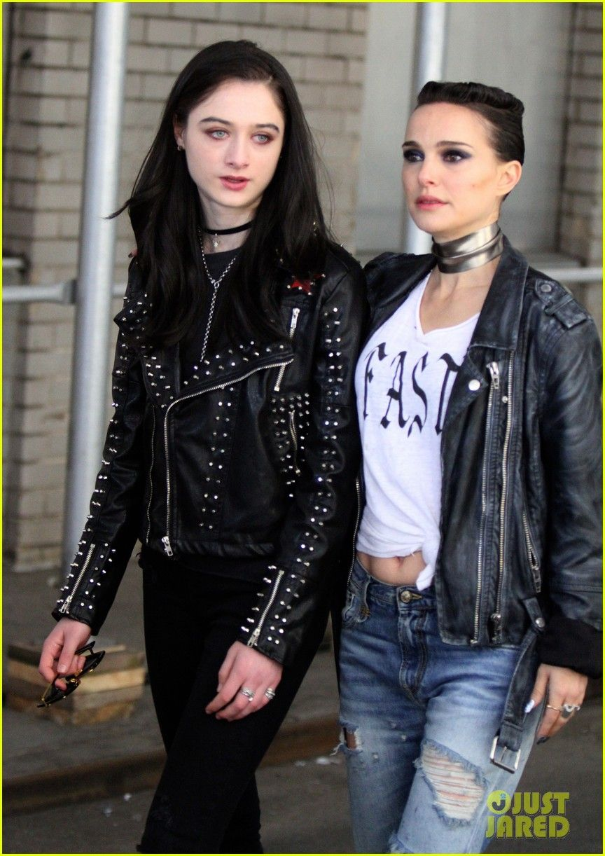Natalie Portman Goes Punk Rock For Vox Lux Filming In Nyc Leather Jacket Girl Fashion Grunge Chic