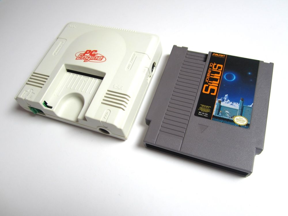 Size comparison of the PC Engine Core Grafx next to a NES cartridge