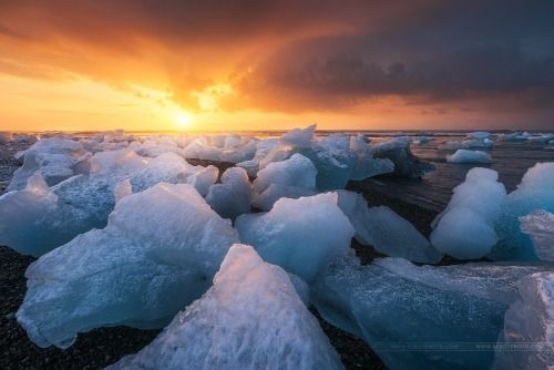 Icelandic sunrise by BeboyPhotographies - http://amazpic.com/photos/icelandic-sunrise-by-beboyphotographies/