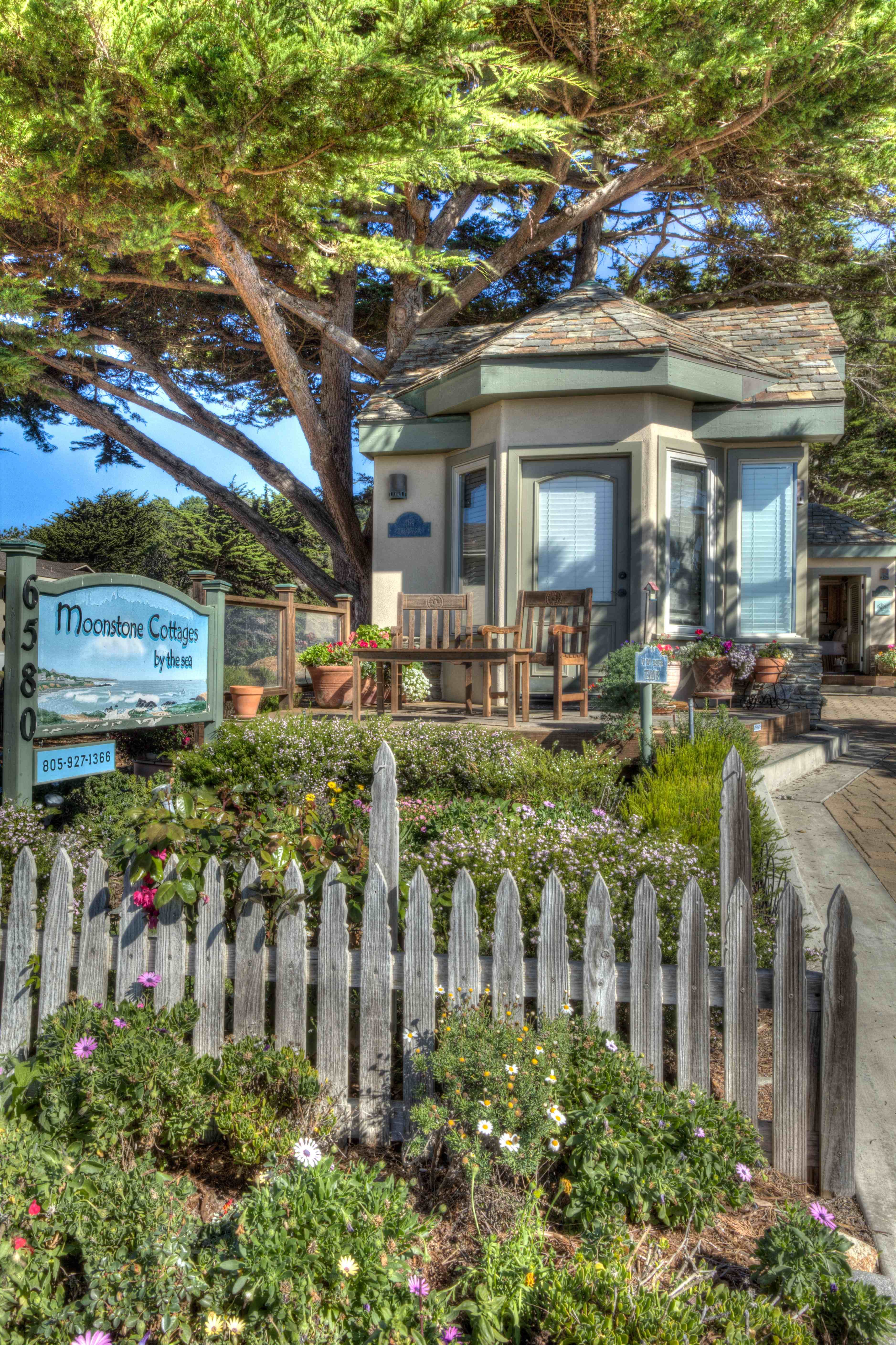 Moonstone Cottages In Cambria Ca Combine The Privacy Of Your Own Personal Cottage With All