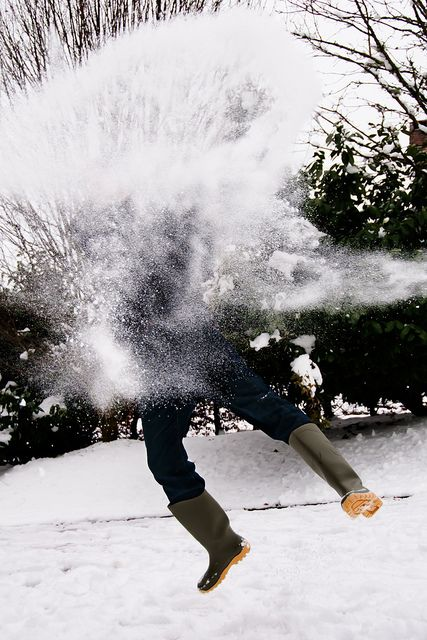 Impact!!  Snowball fight~