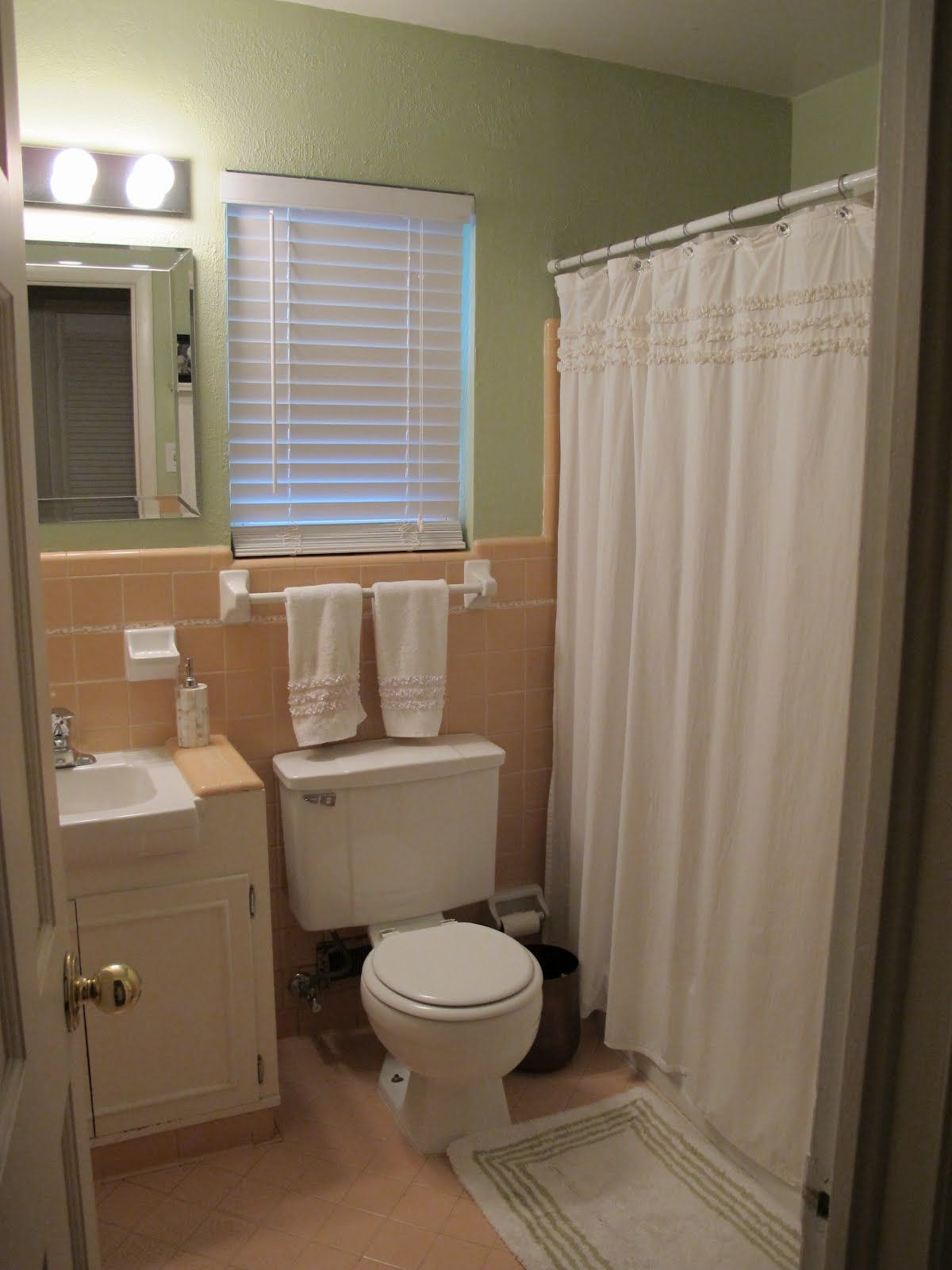 Help Peach Brown Bathroom Tile Home Decorating Amp Design