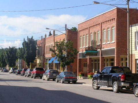 Collingwood and Creemore made the list - 7 Small Ontario Towns With Big Appeal   We have other small towns around Collingwood and Creemore that deserve to be on the list as well! Which ones would you suggest?  http://www.escapehere.com/destination/7-small-ontario-towns-with-big-appeal/   #Collingwood #Creemore #RoyalLePageTrinity