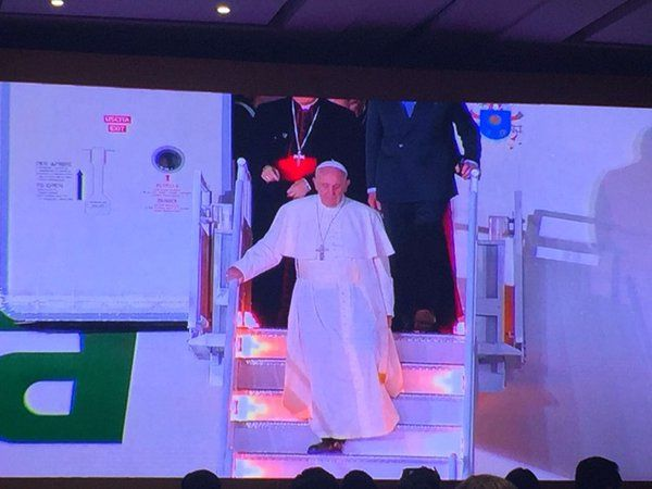 #PapaEnMexico hashtag on Twitter
