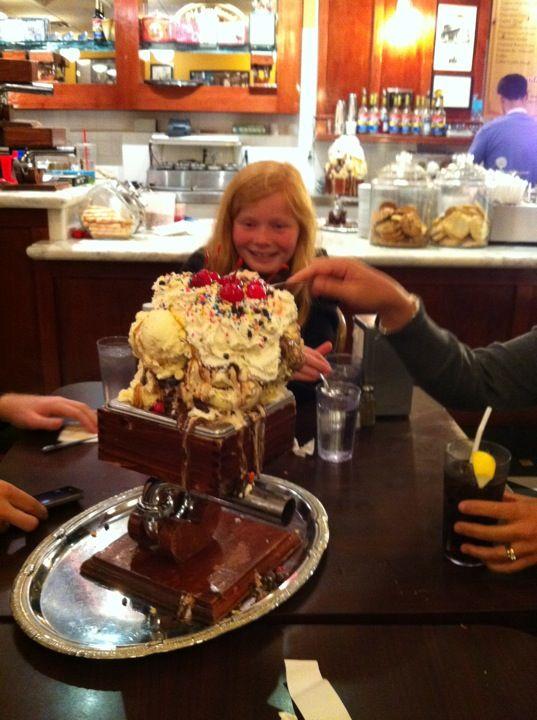 San Francisco Creamery Co Food Food Challenge Man Vs Food
