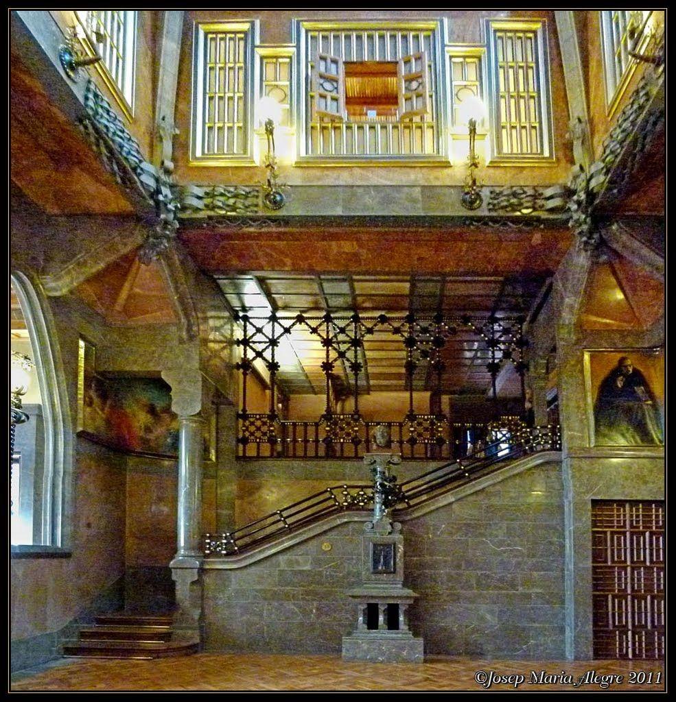 Gaudi. Barcelona, Palau Güell 1886-8