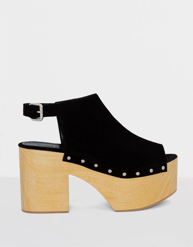Pull&Bear - mujer - calzado - zapatos de tacon y cuñas - mule tacón madera piel  negra - negro - 15935111-I2016