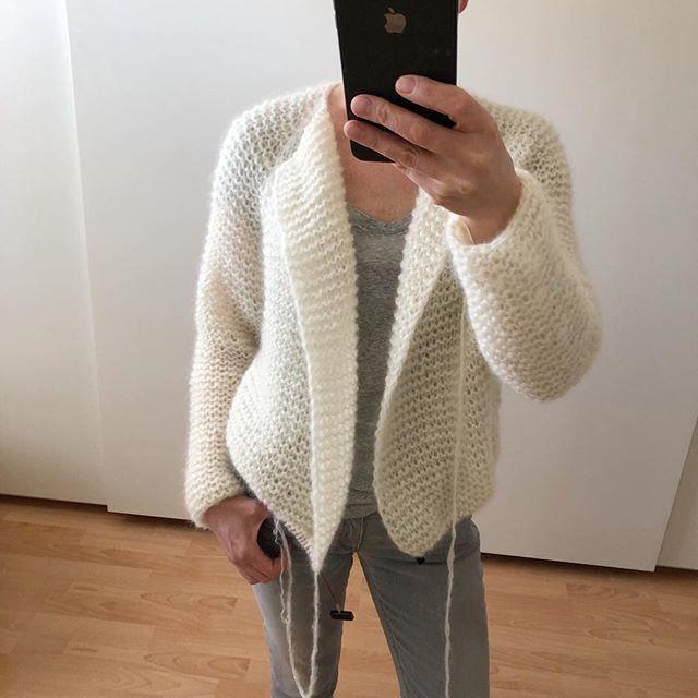 Tutorial - Strickanleitung - Einfache Strickjacke im Patentmuster von oben stricken #shrugsweater