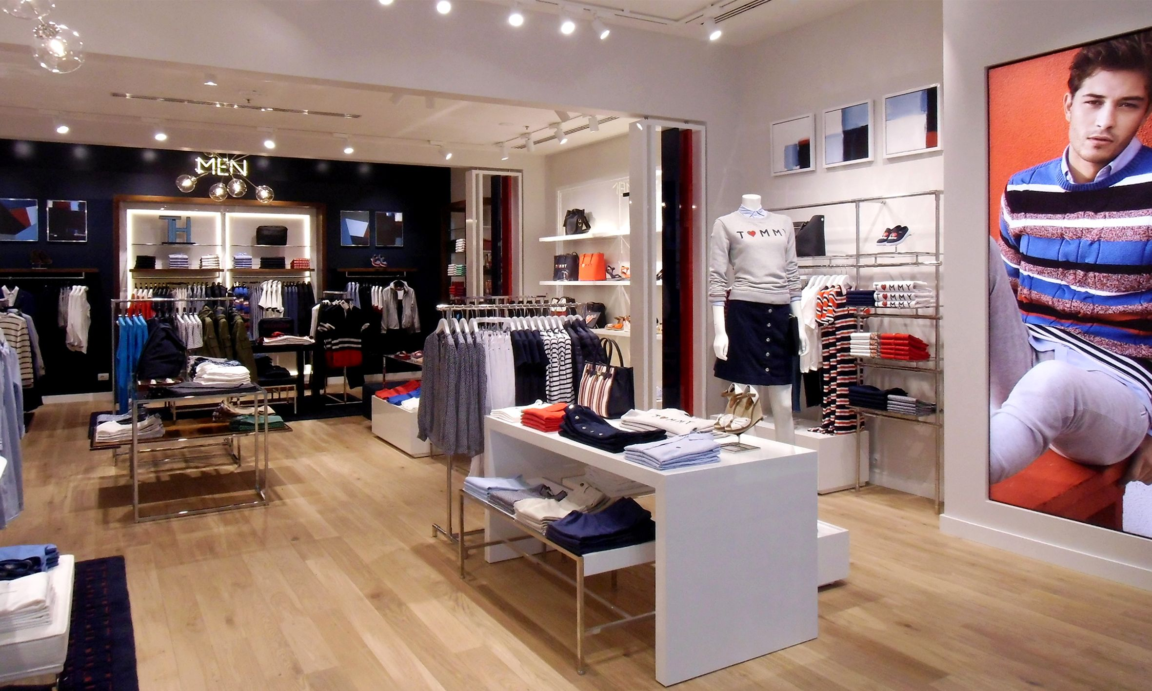 TOMMY HILFIGHER (Retail Store) Centro Commerciale Adigeo