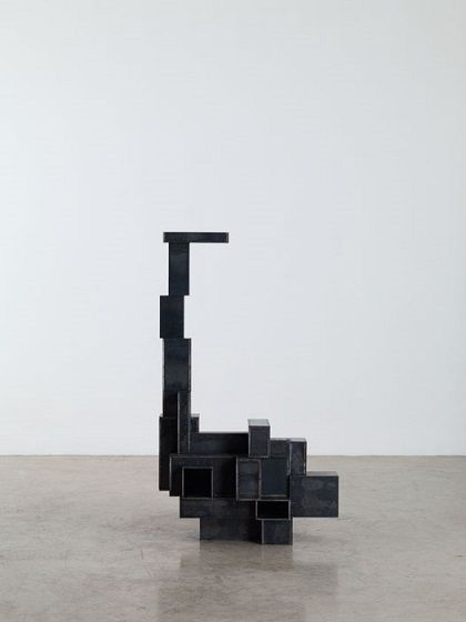 "Antony Gormley - ""Stretch"", 2012. Escultura contemporanea. #arte #iconocero"