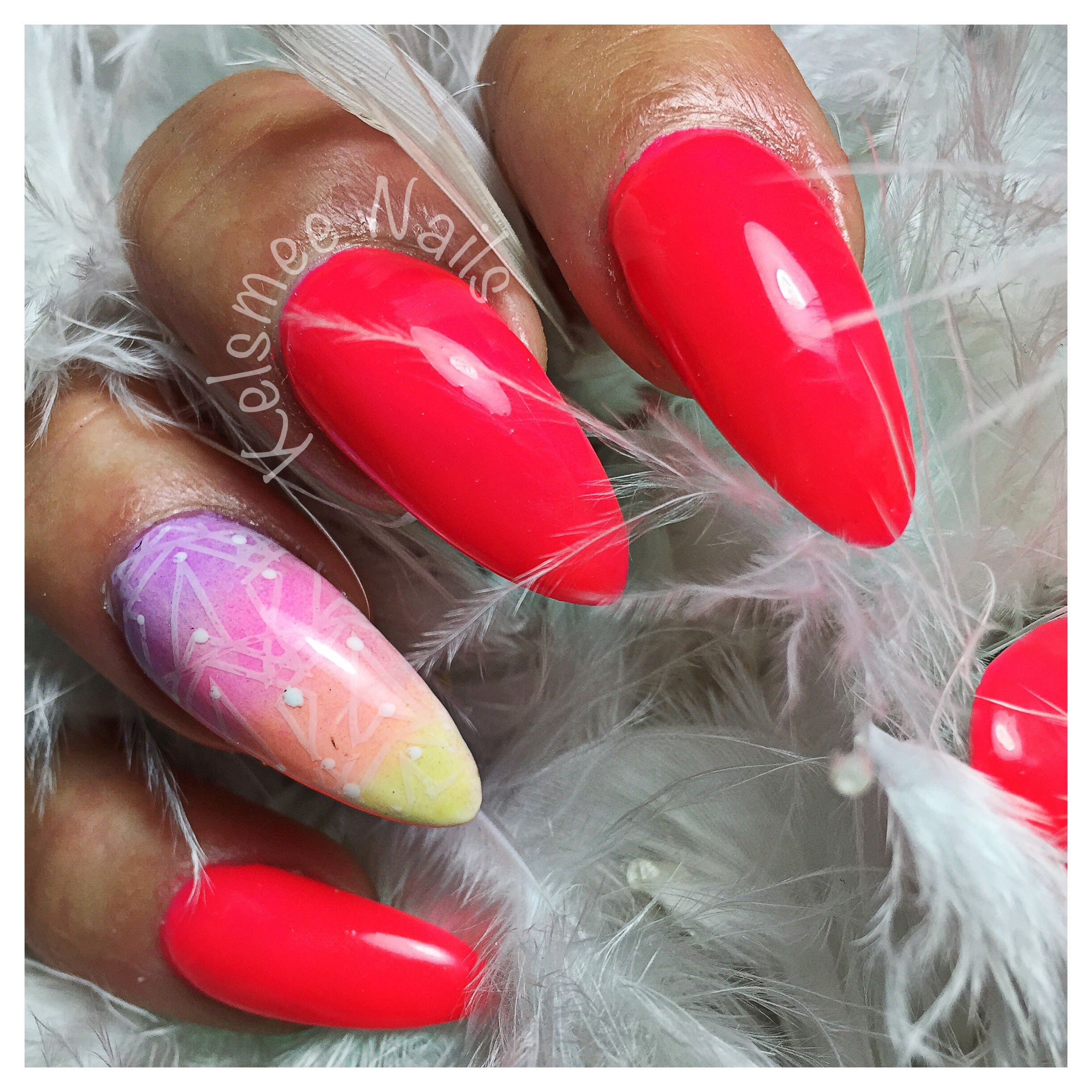 Neon Pink gelpolish, with some pigments and nailart | nailsssss ...