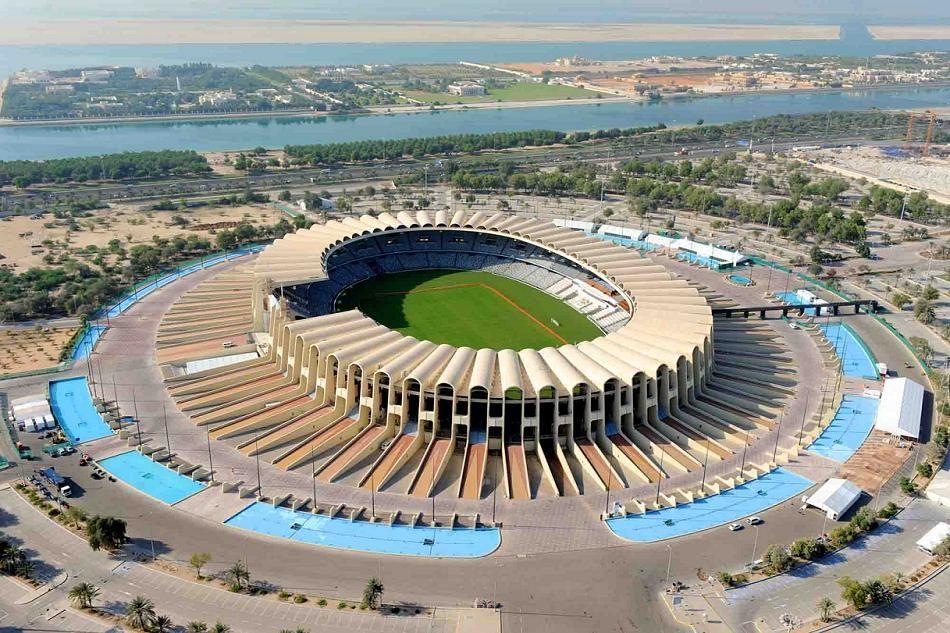 El Estadio Jeque Fayed De Abu Dabi Emiratos árabes Unidos Es Un Recinto Con Capacidad Para 49000 Espectadores Mundial De Clubs Estadios Del Mundo Abu Dhabi