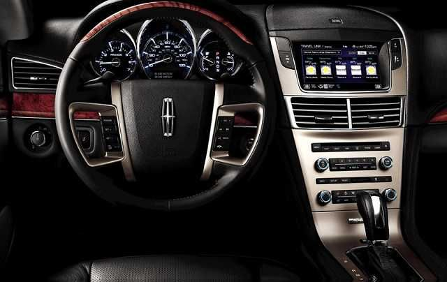 2017 Lincoln Town Car Interior