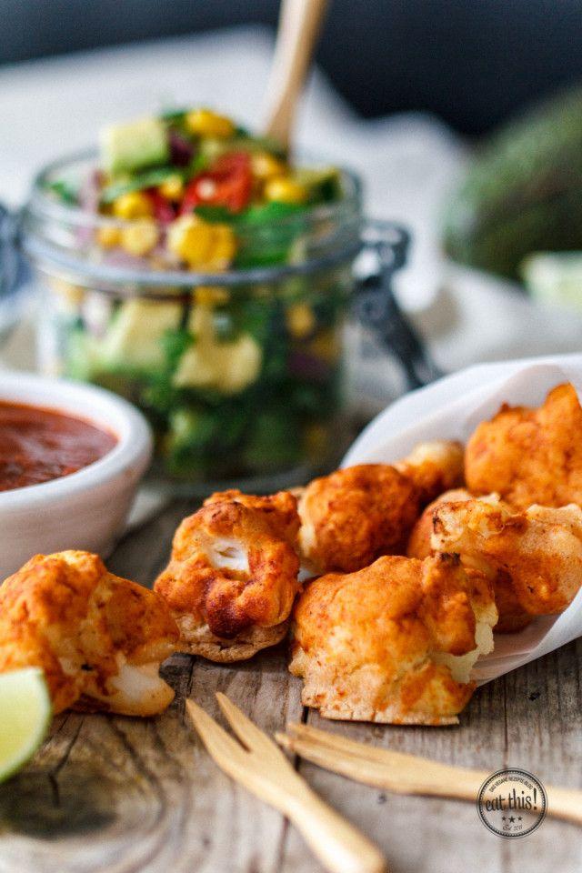Gebackene Barbecue-Blumenkohl-Bites mit frischer Avocado-Salsa