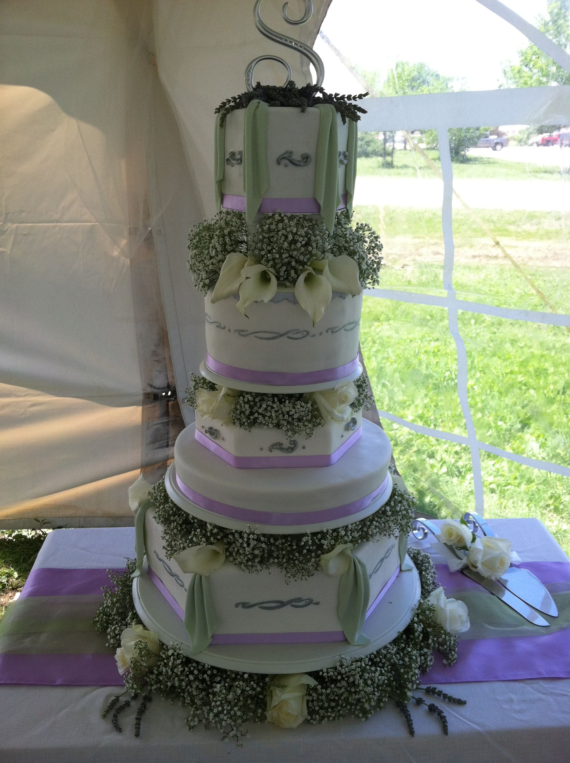 Beautiful Wedding Cake By 2 Sisters Bakery In Rapid City SD