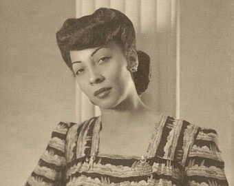 Vintage Photo Of A African American Woman African American Hairstyles African American Beautiful Black Women