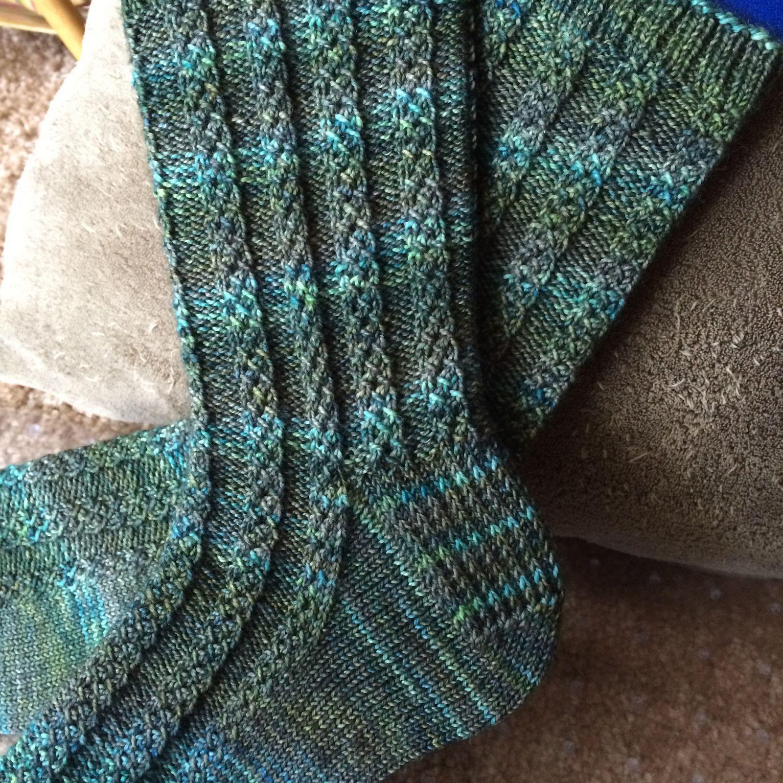Braided Gem Socks pattern by Elizabeth Ravenwood | Knit socks, Socks ...