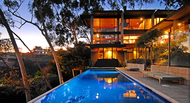 Wood Glass Infinity Pool In Brentwood Ca Designed By Ray