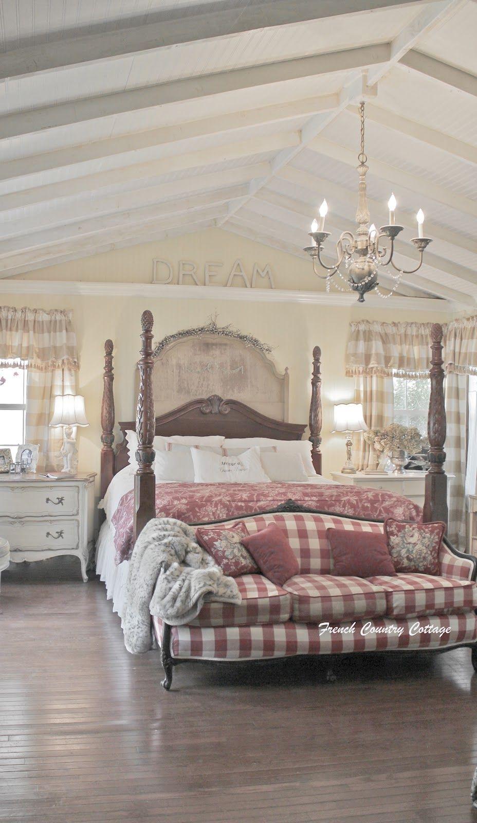 Dormitorio de estilo francés :: Preciosa casa rural