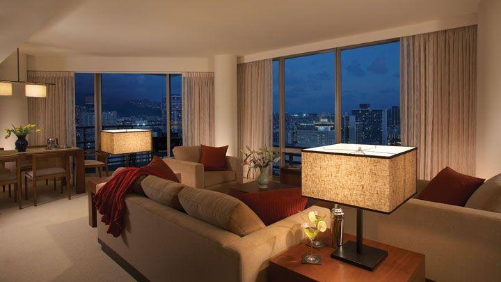 Deluxe Two Bedroom Ocean View Suites At Trump Waikiki Hotel Two Bedroom Suites Bedroom Suite 2 Bedroom Suites