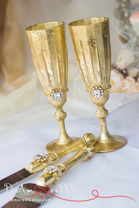 Gold Queen Wedding Set, Personalized, Toasting Flutes, Set for Cake ...