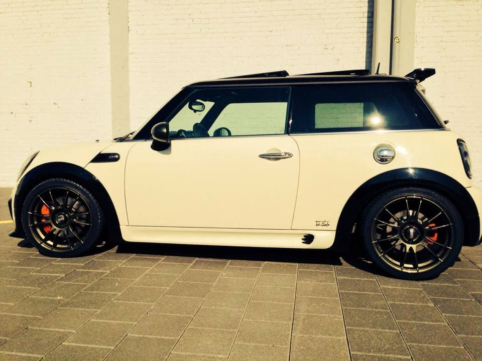 mini cooper s tuning kit john cooper works black white. Black Bedroom Furniture Sets. Home Design Ideas