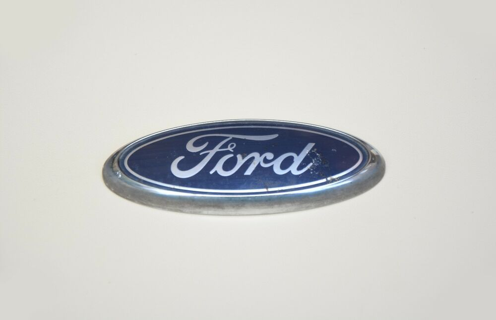 Original Ford Emblem Logo Lid Badge 95ab 8k141 Aa B45sa Used