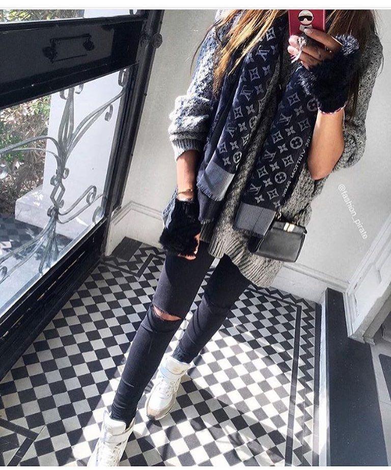 @women_with_style  selfie #amazing #you #onlyyou #wonderful #beautiful #stylish #loveit #likeit by snob_fashionista