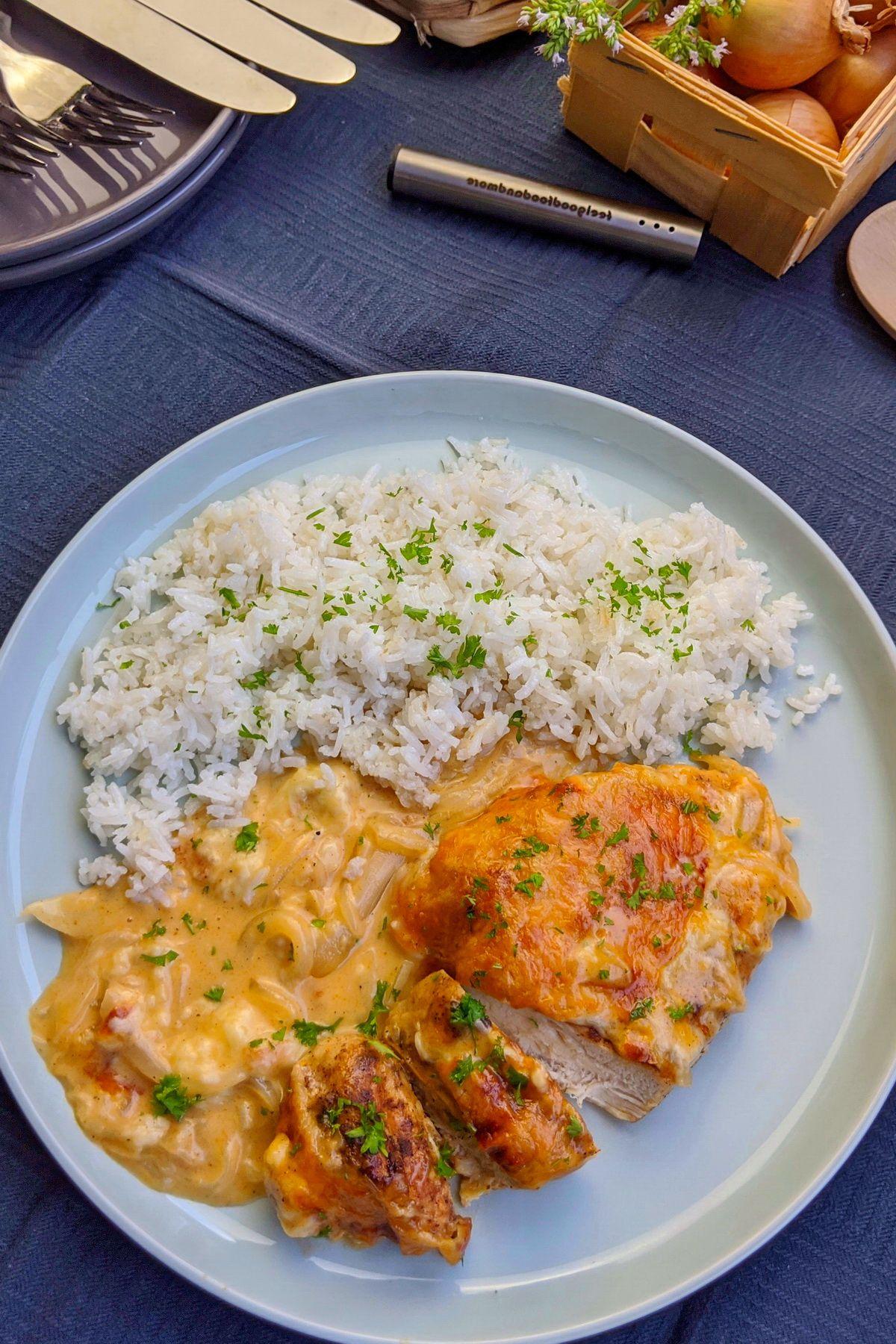 Zwiebel-Sahne-Hähnchen –Einfach, lecker, gelingt immer - instakoch.de