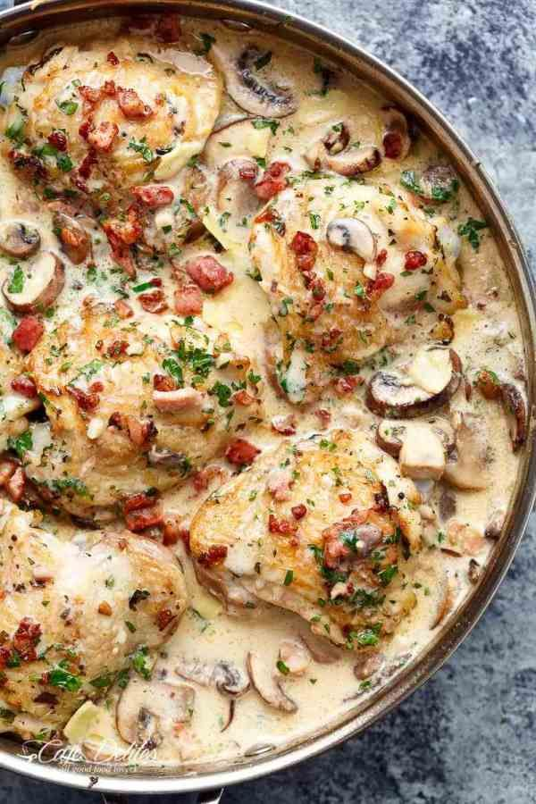 Creamy Garlic Parmesan Mushroom Chicken & Bacon #creamygarlicchicken