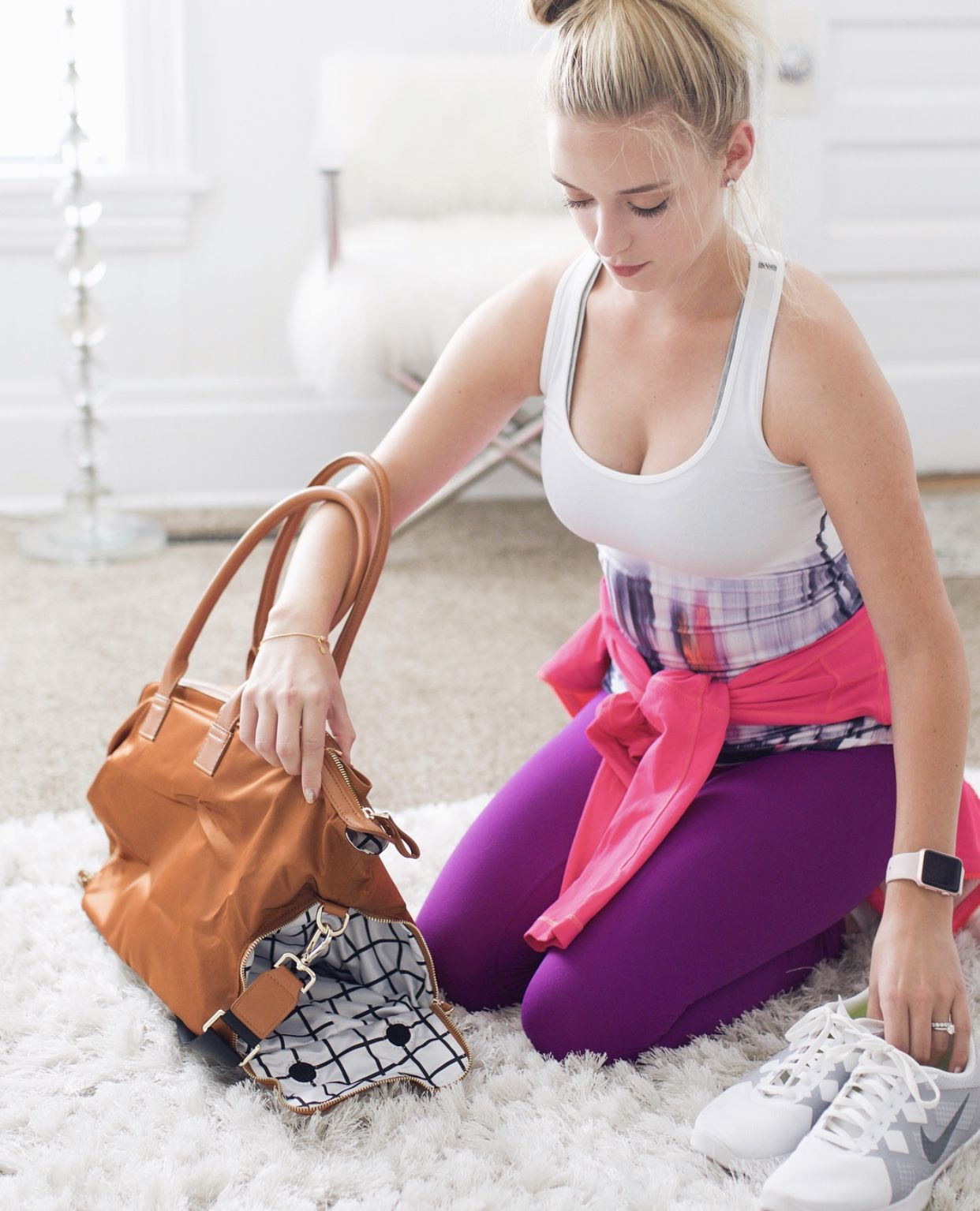 The BIRDIE Gym bag has a separate compartment for your shoes   The ... d581c45a07